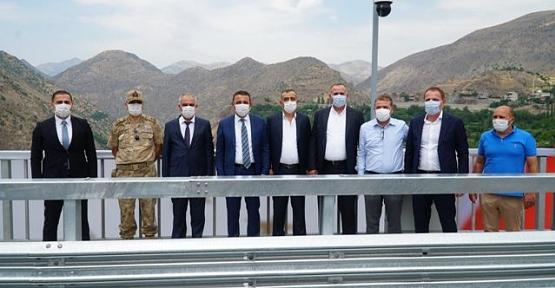 Vali Hacıbektaşoğlu, Türkiye'nin En Yüksek Köprüsünde İncelemelerde Bulundu