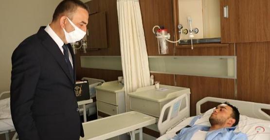 Vali Hacıbektaşoğlu, Yaralı Polisleri Ziyaret Etti