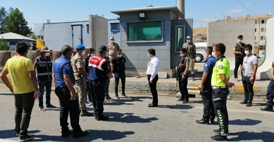 Kaymakam Tunç'tan Polis ve Jandarma Personellerine Bayram Ziyareti