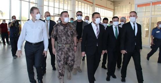 Siirt'te Vali Hacıbektaşoğlu Başkanlığında Koronavirüs Denetimi Yapıldı