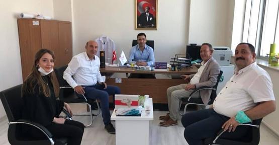 AK Parti Merkez İlçe Başkanı Öner Geyik, Fıstık İşleme Fabrikalarını Ziyaret Etti