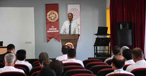 Milli Eğitim Müdürü Deniz Edip,Kurtalan'da Okul Müdürleri İle Bir Araya Geldi