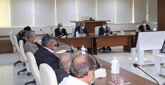 Vali/Belediye Başkan V. Osman Hacıbektaşoğlu, Muhtarlarla Bir Araya Geldi