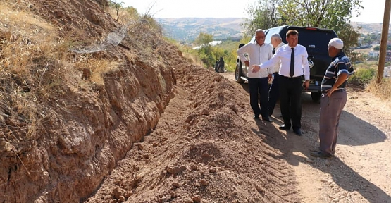 Atabağı Belediye Başkanı Tayyar Lale, Belde de Yapılan Çalışmaları Yerinde İnceledi