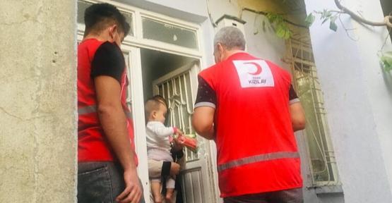 Siirt'te Türk Kızılayı Hijyen Paketi Dağıttı