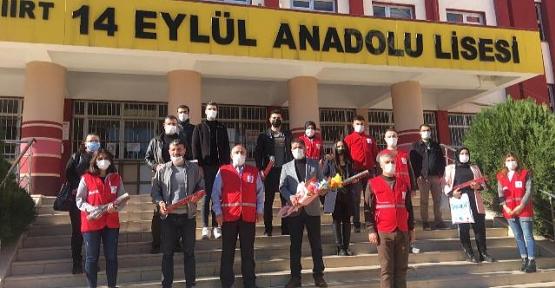Siirt Kızılay'dan Anlamlı Öğretmenler Günü Kutlaması