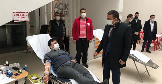 Valilik ve Türk Kızılay'ı İşbirliğinde Kan Bağışı Kampanyası Düzenlendi