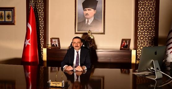 """Vali Osman Hacıbektaşoğlu'nun  """"10 Aralık Dünya İnsan Hakları Günü"""" Kutlama Mesajı"""