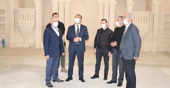 Vali/Belediye Başkan V. Hacıbektaşoğlu,Şeyh Faraç Cami'nde İncelemede Bulundu