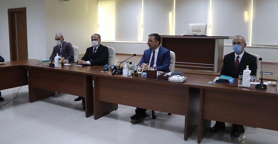 Vali Osman Hacıbektaşoğlu, Siirt Belediyesince Yapılacak Olan Sosyal, Kültür, Eğitim, Spor, Çevre, Sağlık ve Tüm Yatırım Projelerini Kamuoyuna Açıkladı