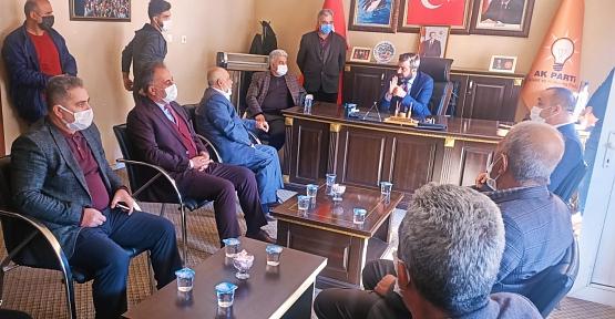 AK Parti İl Başkanı Av. Ekrem Olgaç Baykan ve Veysel Karani'de Muhtarların Sorunlarını Dinledi