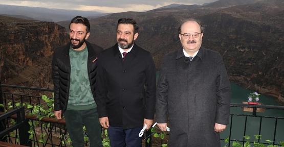 Kültür ve Turizm Bakan Yardımcısı Dr. Serdar Çam Deliklitaş'a Hayran Kaldı