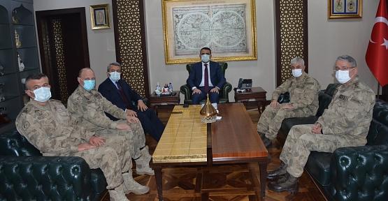Bakan Yardımcısı Baydaş ve Jandarma Genel Komutanı Çetin, Vali Hacıbektaşoğlu'nu Ziyaret Etti