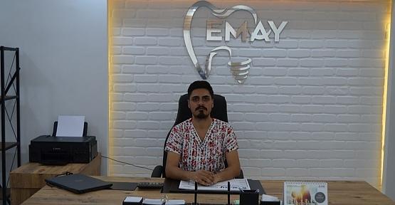 """Diş Hekimi Beşir Alp Uyarıyor: """"Yumuşak Diş Fırçası Kullanın!"""""""