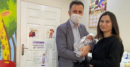 Riskli Doğum Sonrası Bebeklerine Doktorun Adını Verdiler