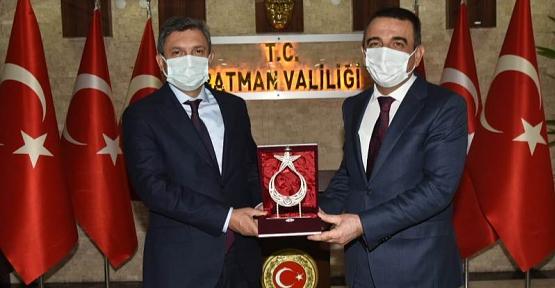 Siirt Valisi Hacıbektaşoğlu, Batman Valisi Şahin'e Nezaket Ziyaretinde Bulundu