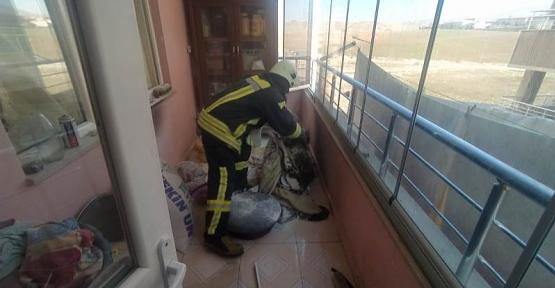 Siirt'te Çıkan Ev Yangını İtfaiye Ekiplerince Kısa Sürede Söndürüldü