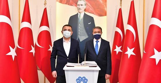 Vali Hacıbektaşoğlu, Balıkesir Valisi Şıldak'ı Ziyaret Etti