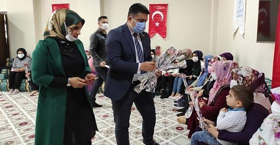 Baykan Kaymakamı  Mehmet Tunç Eşi İle Birlikte İlçede Bulunan Hanım Evini Ziyaret Etti