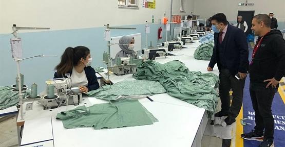 Kaymakam Tunç ,Tekstil Fabrikasını Ziyaret Etti