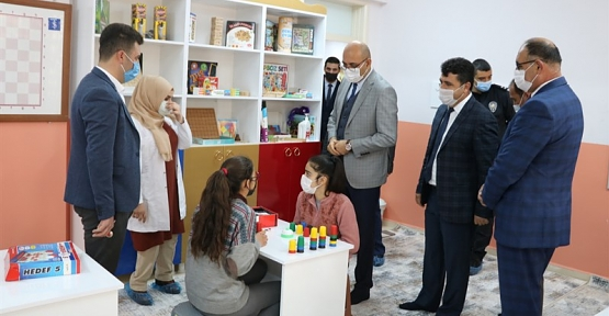 Kaymakam/Başkan V. Aydın, İlçede Oluşturulan Akıl ve Zeka Oyunları Sınıfı'nın Açılışını Gerçekleştirdi