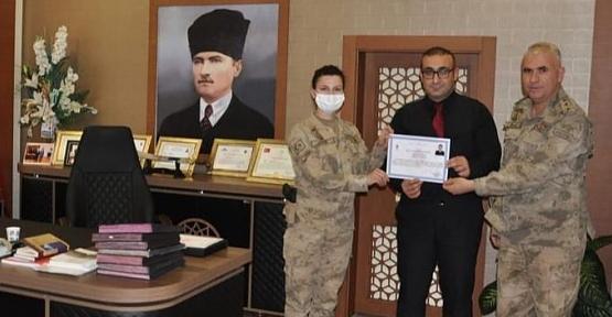 Şirvan Kaymakamı Recep Hasar'dan Jandarma Personeline Başarı Belgesi