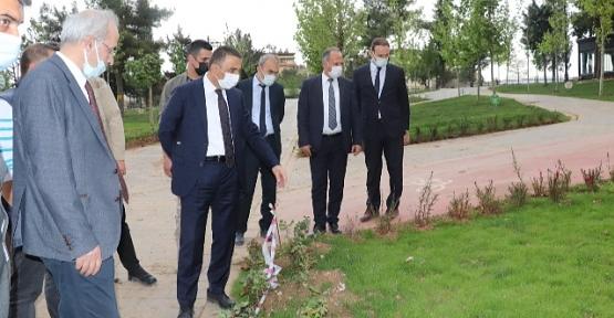 Vali/Belediye Başkan Vekili Hacıbektaşoğlu, Belediye Çalışmalarını Denetledi