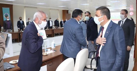 Vali Hacıbektaşoğlu, Sivil Toplum Kuruluş Temsilcileri İle Bir Araya Geldi
