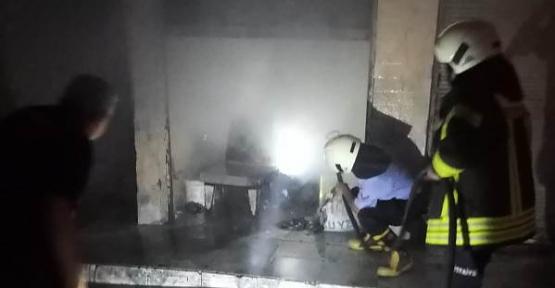 Peynirci Dükkanında Çıkan Yangın Korkuttu