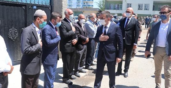 Vali Hacıbektaşoğlu, Trafik Kazasında Yaşamını Yitiren Polis Memurunun Ailesini Ziyaret Etti