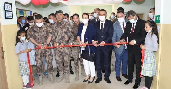 Siirt'te Şehit Özel Harekat Polisi Anıl Kemal Kurtul Adına Kütüphane Kuruldu