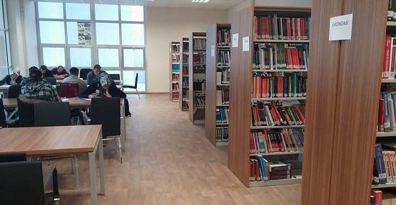 Siirt'te 6 Halk Kütüphanesinde 84 Bin 820 Kitap Mevcut