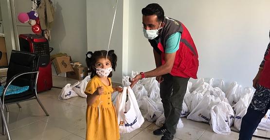 Sadakataşı Derneği 450 Aileye Kurban Eti Dağıttı