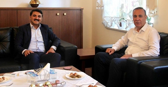 AK Parti Siirt Milletvekili Osman Ören Edremit Kaymakamı Ünsal'ı Ziyaret Etti