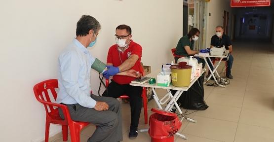 Siirt Valiliği Personeli Kan Bağışında Bulundu