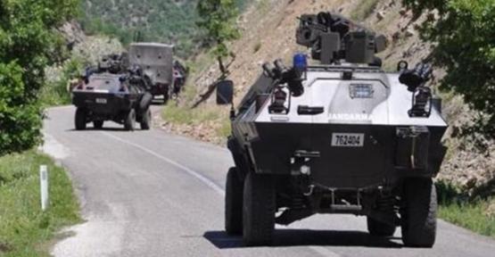 Siirt'te Askeri Aracın Geçişi Sırasında Patlama!