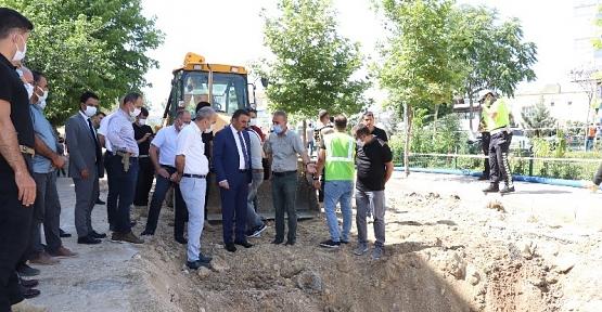 """Vali/Belediye Başkan Vekili Hacıbektaşoğlu, """"Güres Caddesinde Çalışmaları Bayrama Bir Hafta Kala Durduracağız"""""""