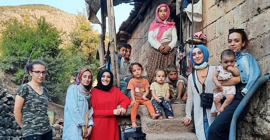 MHP Kadın ve Aile Komisyonu Başkanlığı Şirvan'da İhtiyaç Sahibi Ailelerin Yardımına Koştu