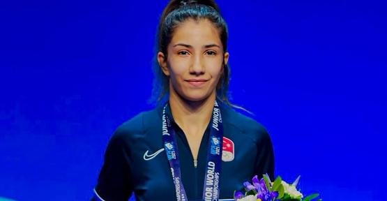 Zehra Demirhan Dünya Gençler Güreş Şampiyonasında Bronz Madalya Kazandı
