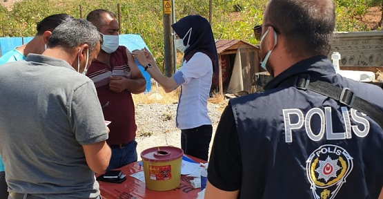 SİİRT'TE POLİS UYGULAMA NOKTALARINDA AŞI HİZMETİ VERİLMEYE BAŞLANDI