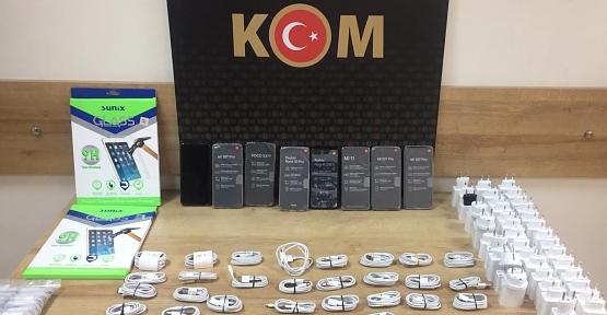 Siirt'te 37 Bin TL Değerinde Kaçak Cep Telefonu Ele Geçirildi