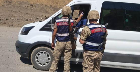 Siirt'te  Jandarma Ekipleri, Okul Servislerini Denetledi