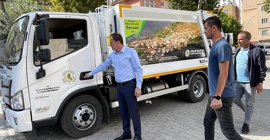 Pervari Belediyesine Bir Adet Çöp Toplama Aracı Hibe Edildi