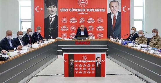 İçişleri Bakanı Süleyman Soylu Siirt'te Güvenlik Toplantısına Katıldı
