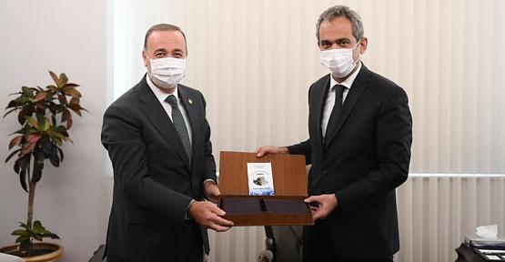 Osman Ören, Milli Eğitim Bakanı Mahmut Özer'i Ziyaret Etti