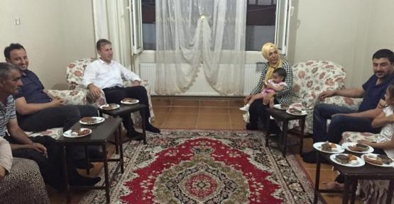 AK Parti Siirt İl Başkanlığı Çat-Kapı İftar Etkinliğine Devam Ediyor