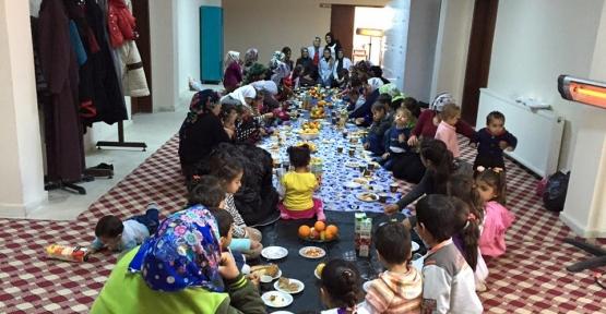 AK Partili Kadınlar Yerli Malı Haftasını Kutladı