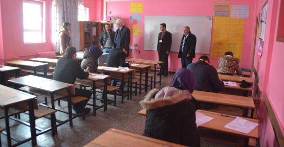 Cizre ve Silopi'den Gelen Öğrenciler Siirt'te Sınava Girdi
