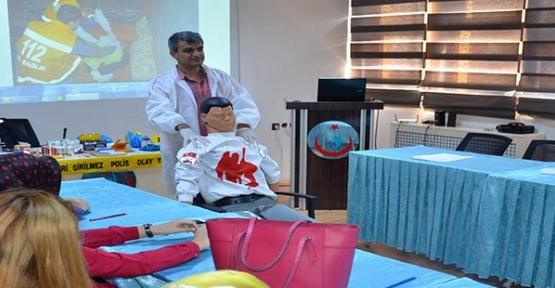Emniyet Sağlık Personellerine Eğitim Verdi