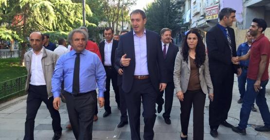 HDP Milletvekili Adayları Esnaf Ziyaretinde Adalet ve Kalkınma Partisinin